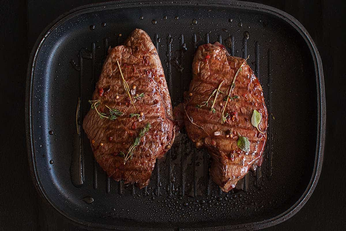 Cooking grilled black angus steak on nonstick iron grill pan, Can You Cook A Steak In A Nonstick Pan?