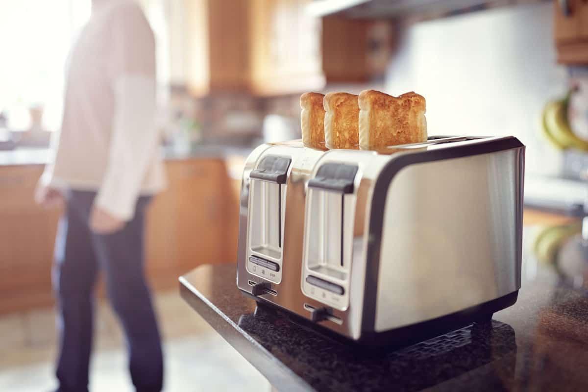 Toaster doe toasting bread, Kitchen Appliances Gift Ideas [2020 Edition]