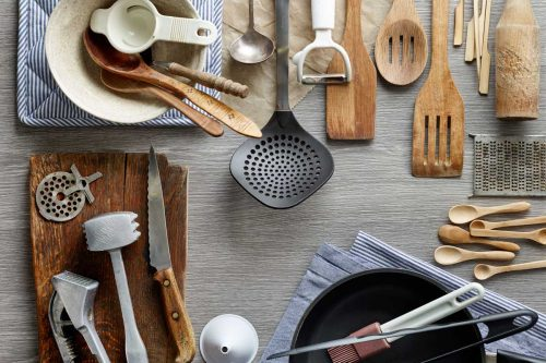 Read more about the article 33 Kitchen Gift Ideas For Moms Who Love To Cook