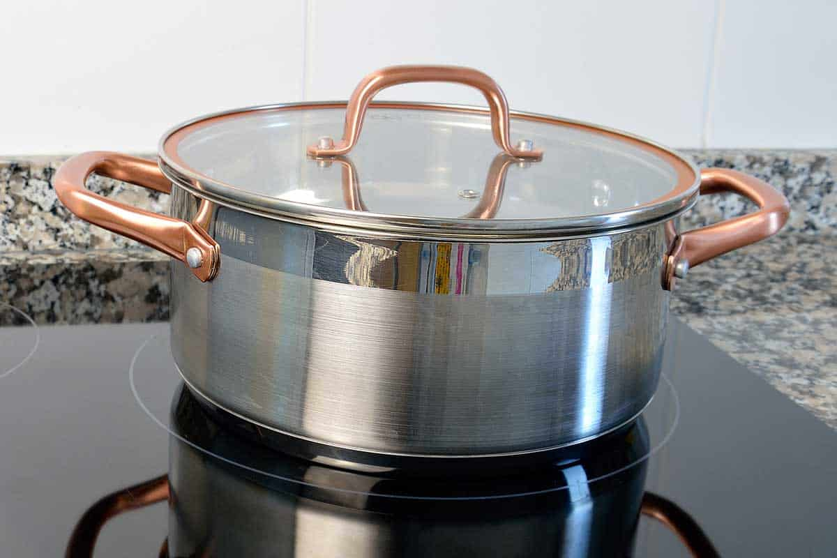 Cooking with stock pot over a glass ceramic kitchen, What's the Best Material for Stock Pots? [Know before you buy!]