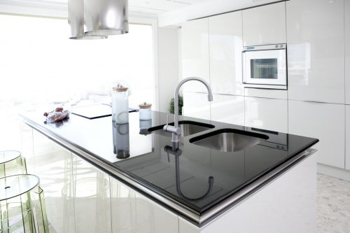 Read more about the article How Many Inches Can Granite Hang Without Support?