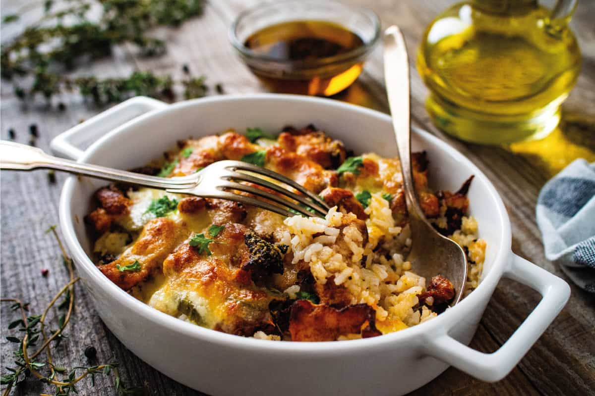 Rice casserole with barbecue chicken breast, cheese and vegetables, How To Cook Rice In A Casserole Dish
