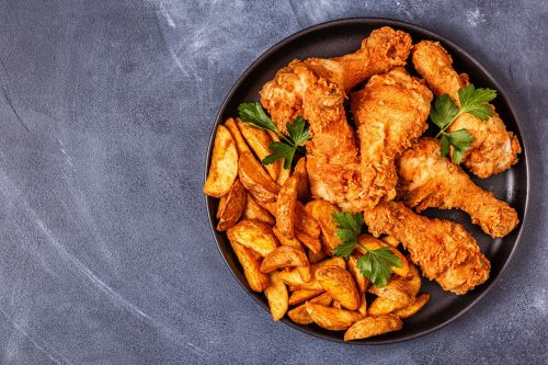 What is the Best Pot to Fry Chicken? [3 Great Options!]