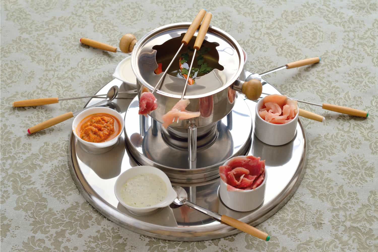 Chinese fondue with broth