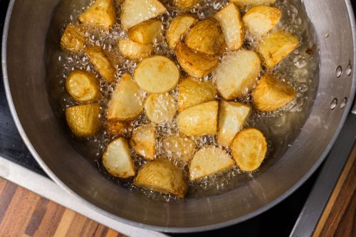 Should You Dry Potatoes Before Frying Or Roasting?