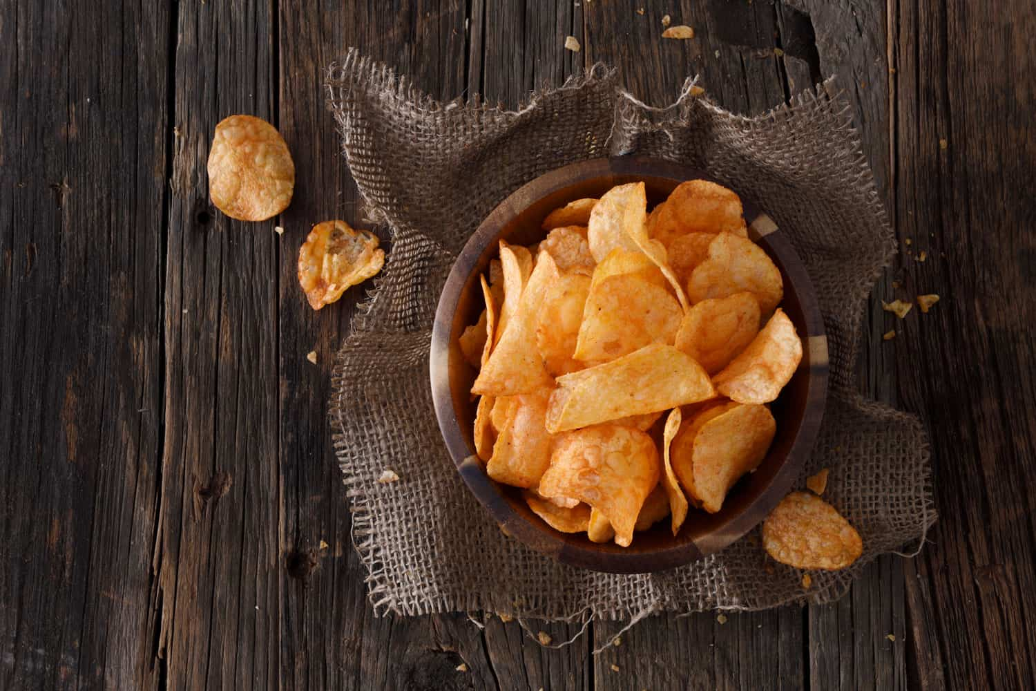 Barbecue flavor potato chips in a wooden bowl, What Potatoes Are Best For Chips?