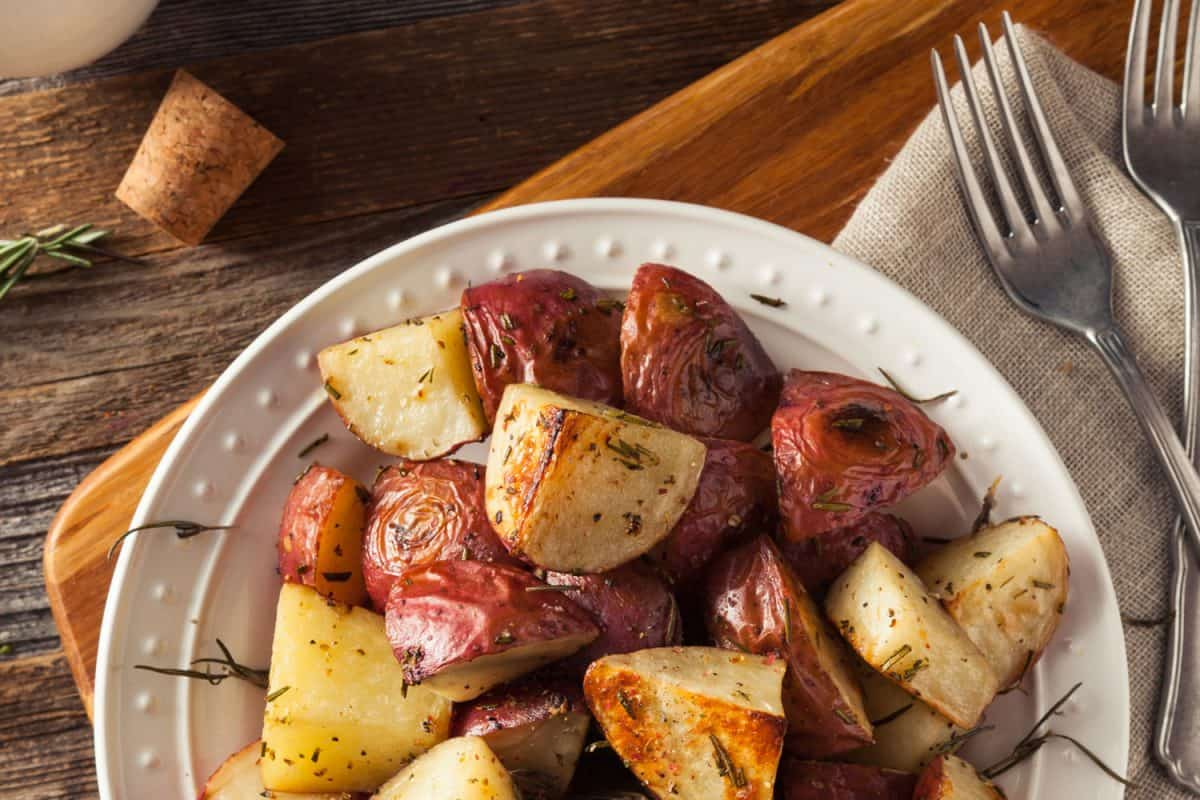 Homemade Roasted Herb Red Potatoes with Salt and Pepper, How To Cook Red Potatoes - With 10 Tasty Recipes!