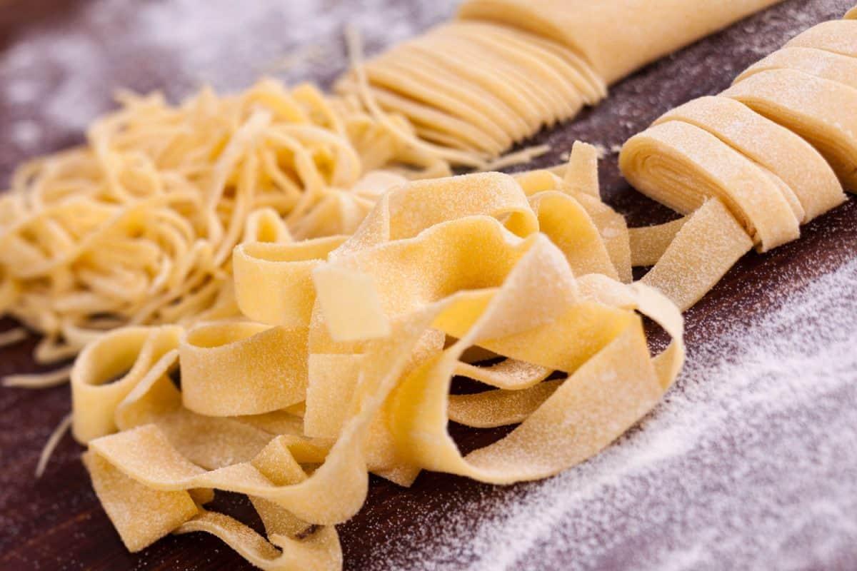 Precisely cut homemade pasta, Pasta Dough Too Dry - What To Do?