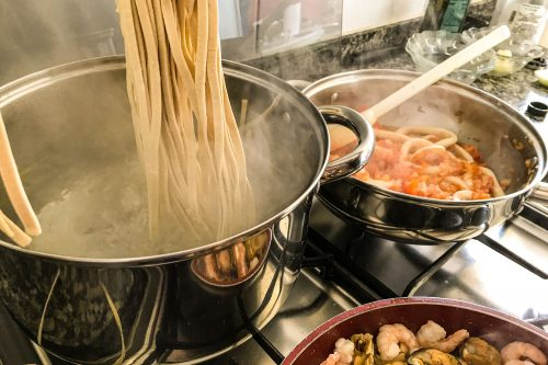 Read more about the article What's The Best Pot For Cooking Pasta?
