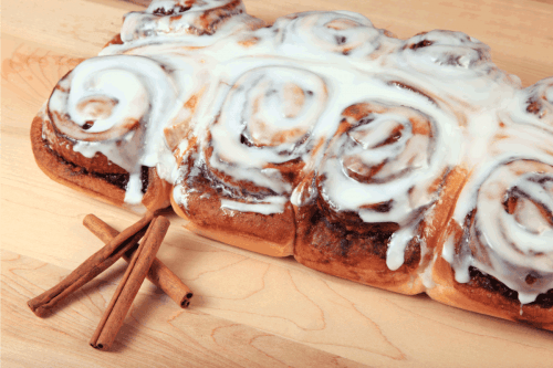 Read more about the article Can You Microwave Cinnamon Rolls?