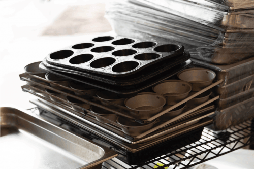 Read more about the article How To Organize Baking Pans [7 Options To Consider]