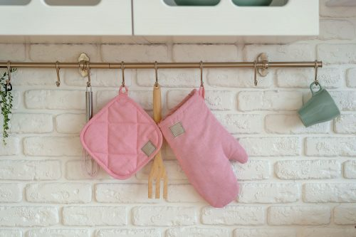 Where Do You Store Oven Mitts?
