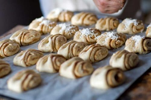 Read more about the article How Long Do Cinnamon Rolls Last? [Room Temperature, Fridge, and Freezer]