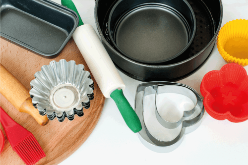 Read more about the article What To Use Instead Of A Pie Pan [6 Alternatives]