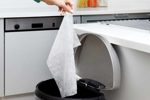 Read more about the article How To Keep Your Kitchen Trash Can From Sliding On The Floor