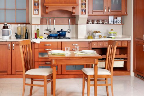 Read more about the article Should The Dining Table Match The Kitchen Cabinets?