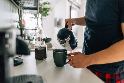 Read more about the article Coffee Maker Leaking From Bottom – What To Do?
