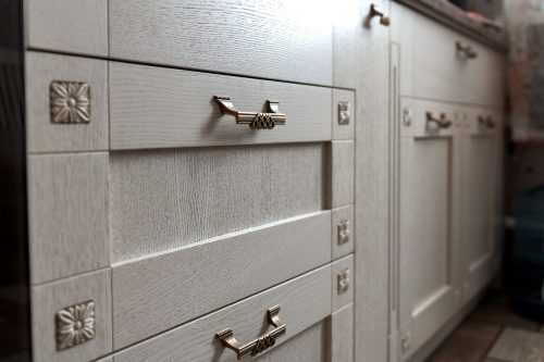 Read more about the article Can You Put Knobs On Kitchen Drawers?