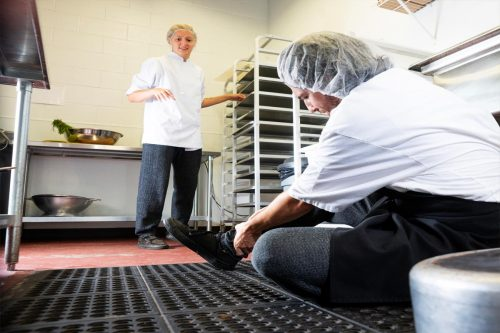 Read more about the article 5 Best Anti-Fatigue Kitchen Floor Mats To Check Out