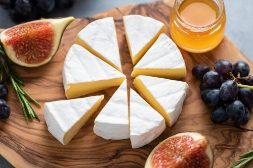 Read more about the article Should You Peel Brie Cheese?