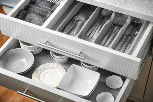 Read more about the article How To Remove Kitchen Drawers [A Complete Guide]