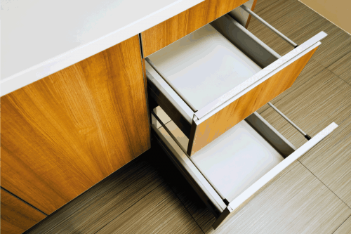Read more about the article Should You Line Your Kitchen Drawers?