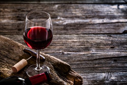 Read more about the article Should Wine Glasses Be Thick Or Thin?