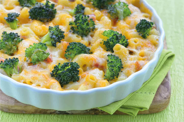 Cheese casserole with broccoli, macaroni and ham