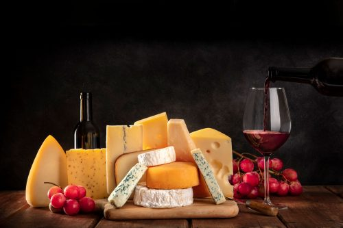 Read more about the article Should You Wrap Cheese In Foil Or Cling Film?