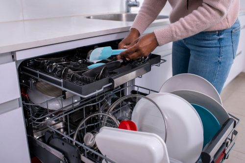Read more about the article Do Dishwashers Waste Or Save Water And Electricity?