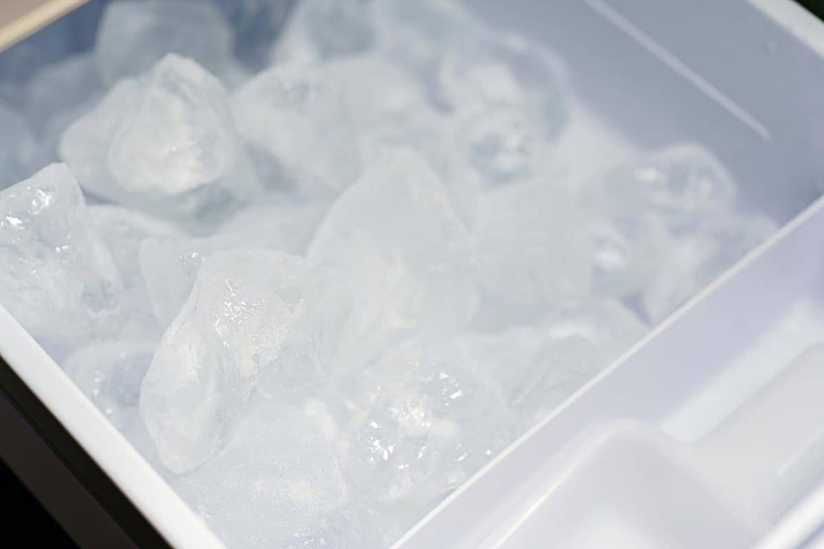 Cube of ice in ice making machine
