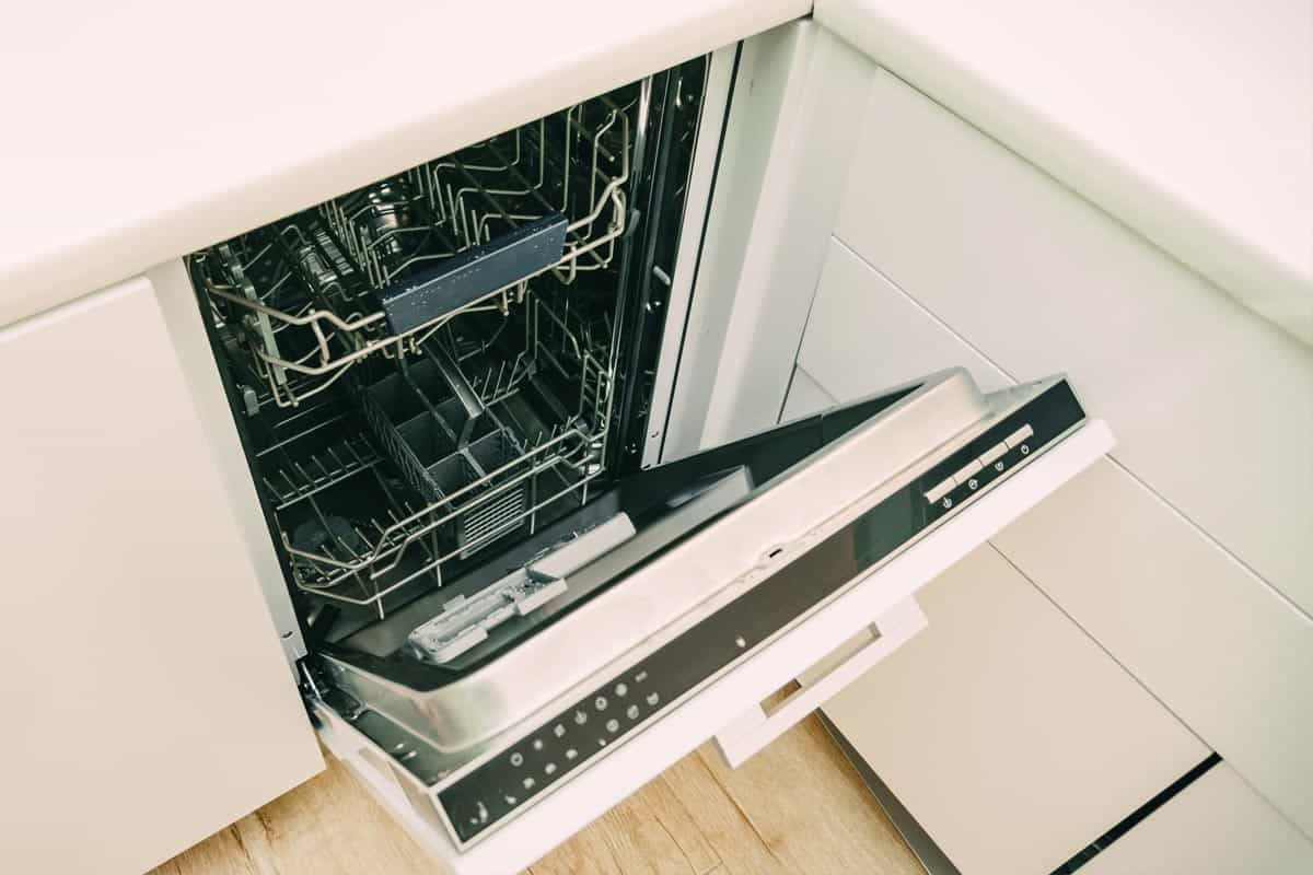 Dishwasher in the kitchen, How Hot Does A Bosch Dishwasher Get?