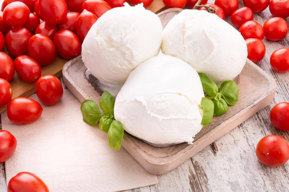 Fresh tomatoes and Mozzarella