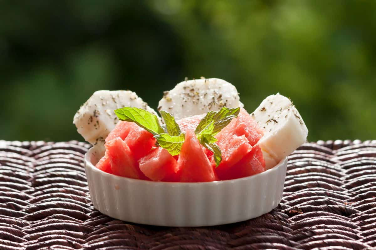 Halloumi cheese with fresh melon and mint