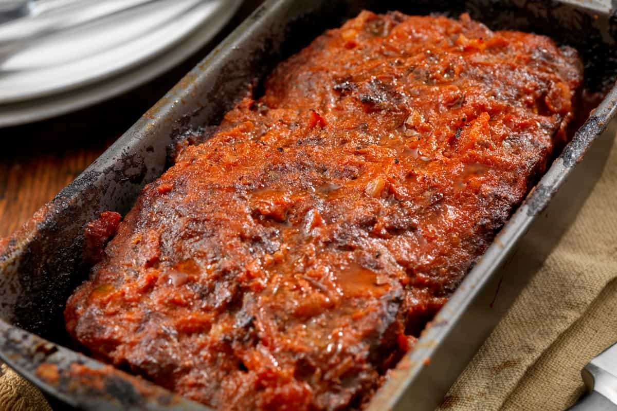 Meatloaf baked in tomato sauce, How To Remove Meatloaf From A Loaf Pan