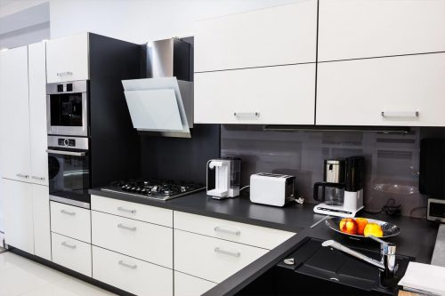 Read more about the article Should Kitchen Appliances Match? [In Color Or Brand]