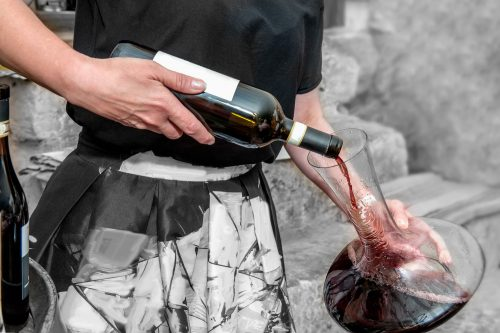 Read more about the article How To Clean Wine Stains From A Glass Decanter