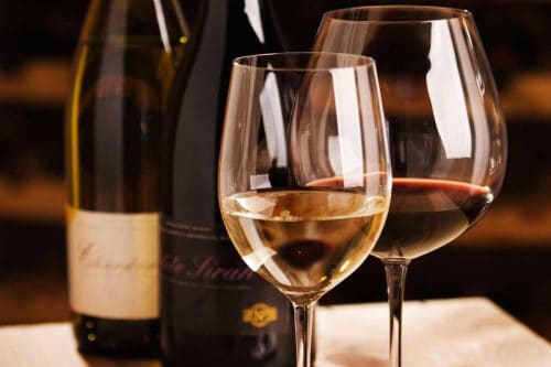 Read more about the article How To Keep Wine Glasses From Getting Dusty