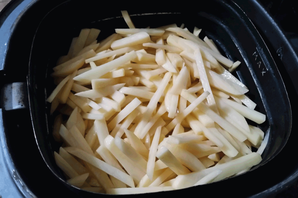 french fries on airfryer, potato in the airfryer. What Are The Different Models Of Ninja Foodi