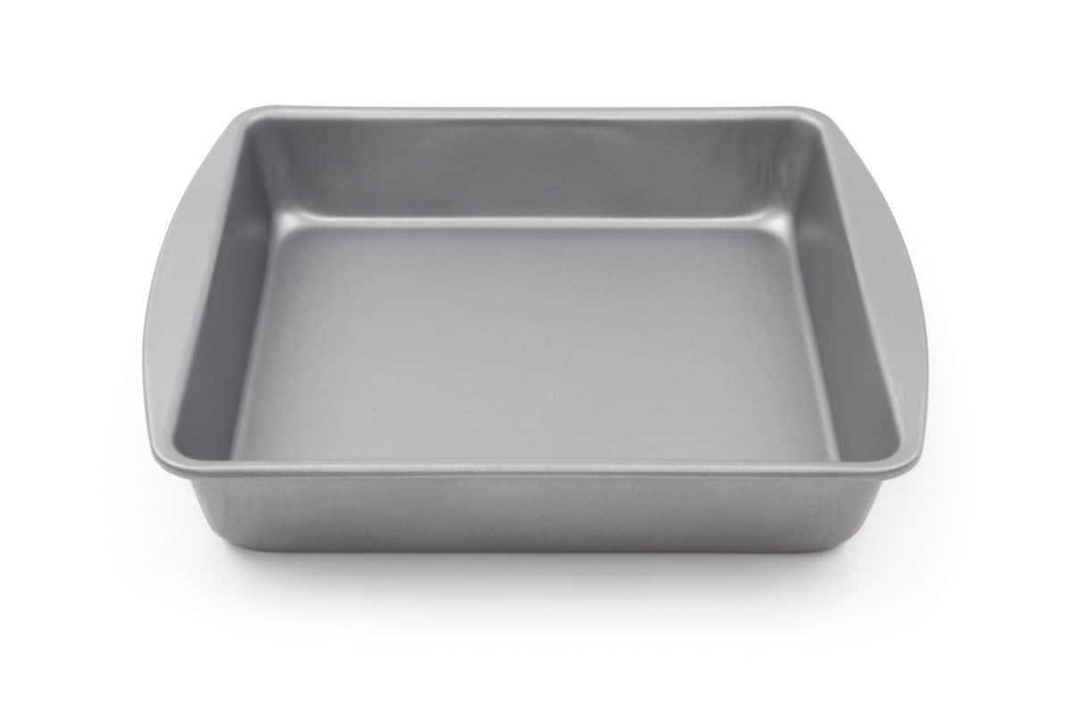 empty cake pan